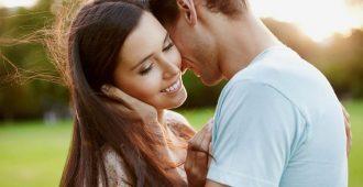 Как определить скрытые сигналы симпатии мужчин