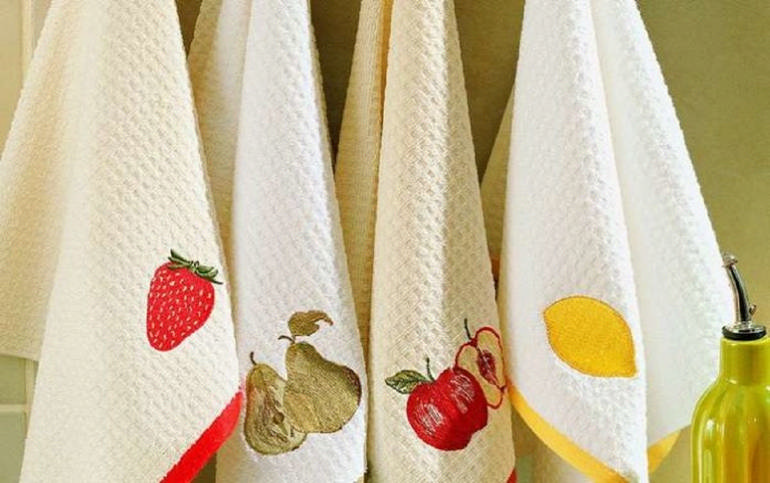 Как отстирать кухонные полотенца: 3 лучших способа