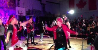 """60-летняя """"старушка"""" взорвала танцпол! Такого хип-хопа не исполнить и молодым! - Твой интернет"""