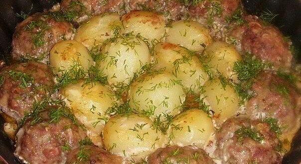 Котлетки с картошкой в сметанно-томатном соусе - Твой интернет