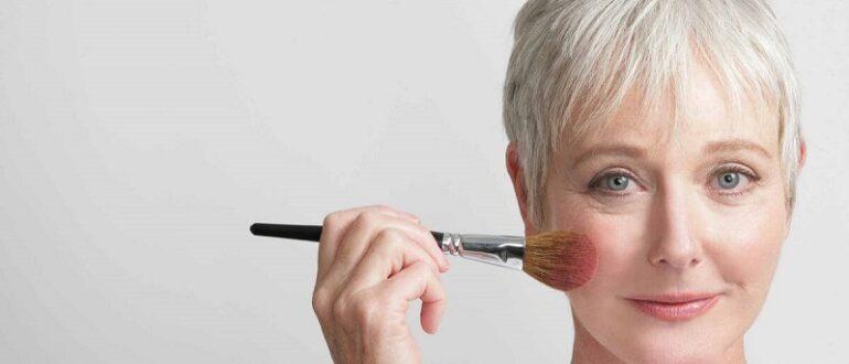10 ошибок возрастного макияжа, которые только старят. Визажисты предостерегают!
