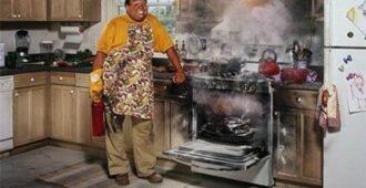 Наконец-то! Найден до смешного простой способ очистить духовку до блеска! Сколько приходилось мучиться с этим – и все было неправильно!