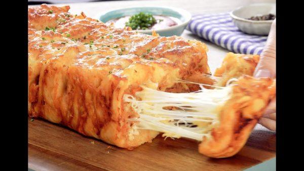 Слоеный хлеб с аппетитной курочкой и сыром - Твой интернет