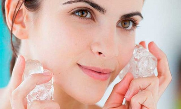 Омолаживающий массаж лица льдом с эфирными маслами