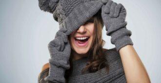 Как сохранить прическу под шапкой
