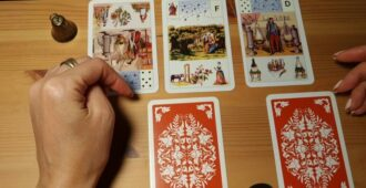Гадание на 3 карты таро