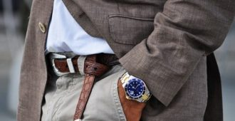 Почему неприлично держать руки в карманах