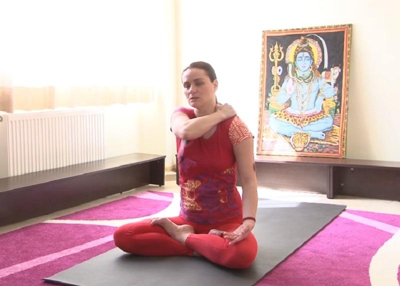 йога для шеи и спины