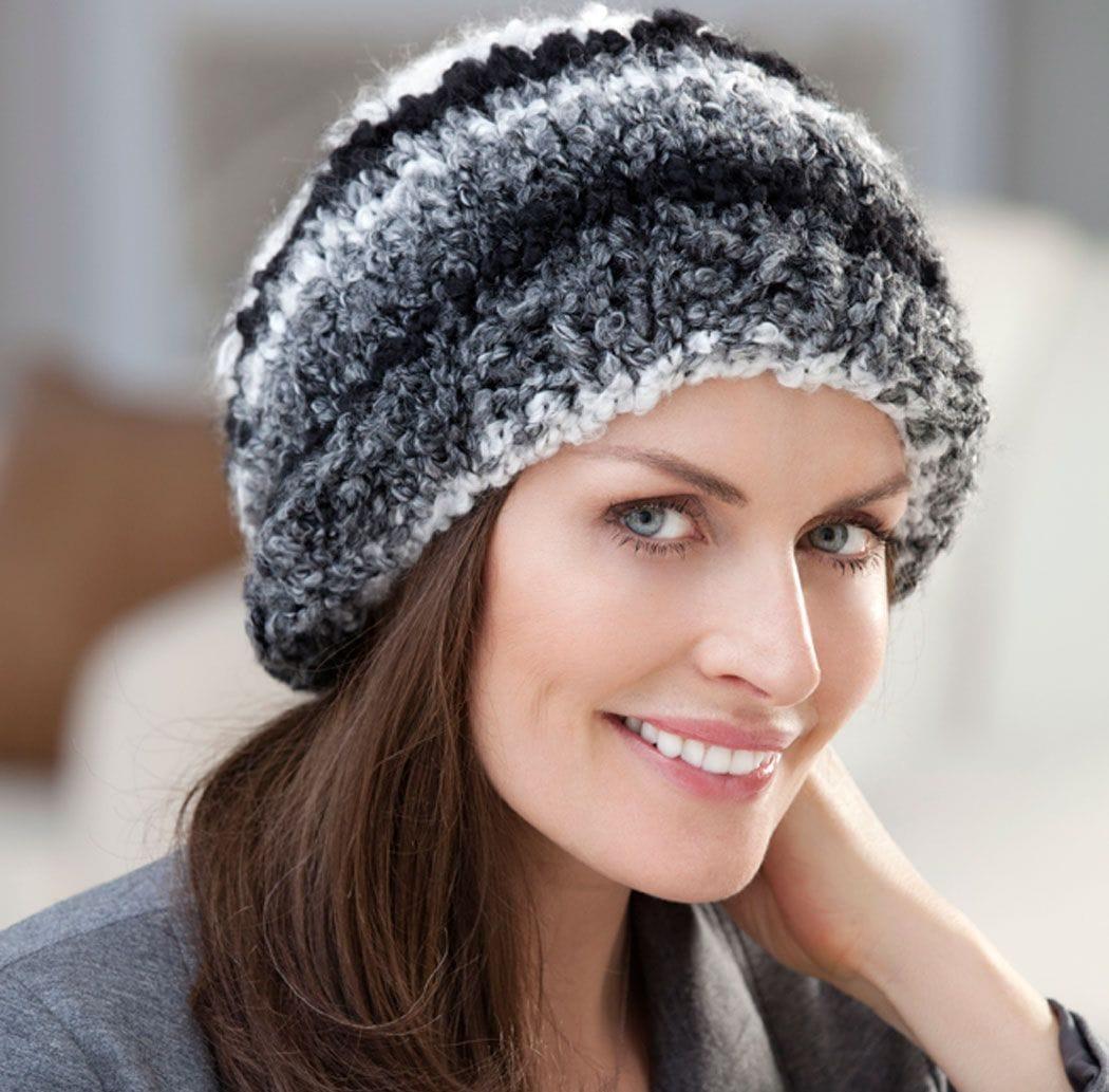 Вязание спицами шапки для женщин за 50 лет