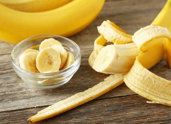 Вы будете поражены: половина населения не умеет есть банан!