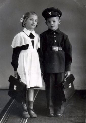 Вот чем занимались советские школьники! А что из этого делают наши дети?