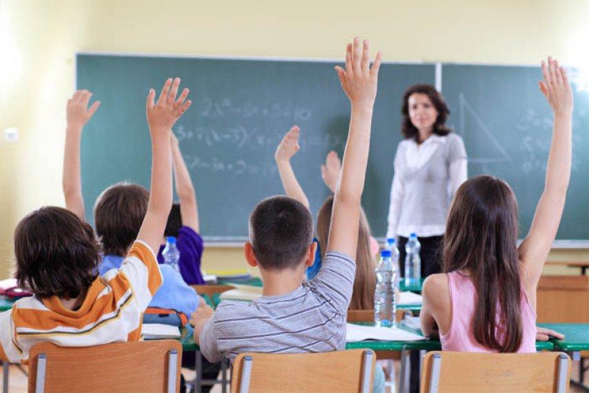 В школе ученик сорвал бюстгальтер с 15-летней девочки. И вот как мама поступила