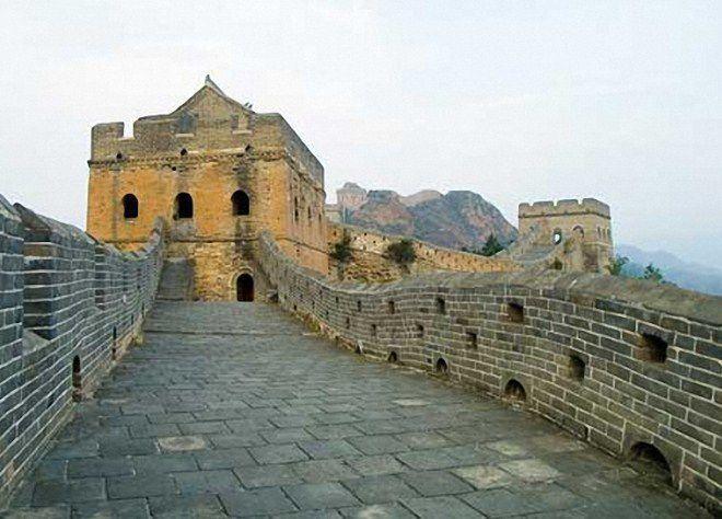 Секреты Великой Китайской стены раскрыты: кто на самом деле ее строил и для чего?
