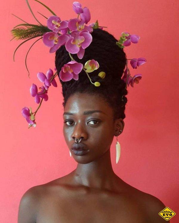 Художница из Западной Африки делает со своими волосами невероятное!