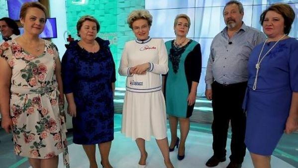 """Елена Малышева и ее подруга активно похудели на """"водяной"""" диете"""