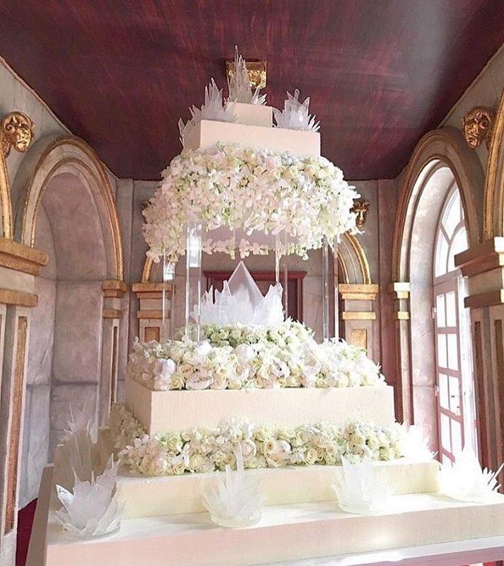 Гости, узнавшие стоимость свадебного торта Пресняковых, подавились от восхищения