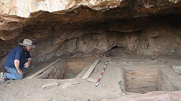 Этот археолог на секунду отошел справить нужду и… случайно обнаружил реликвию, которой 50 тысяч лет!