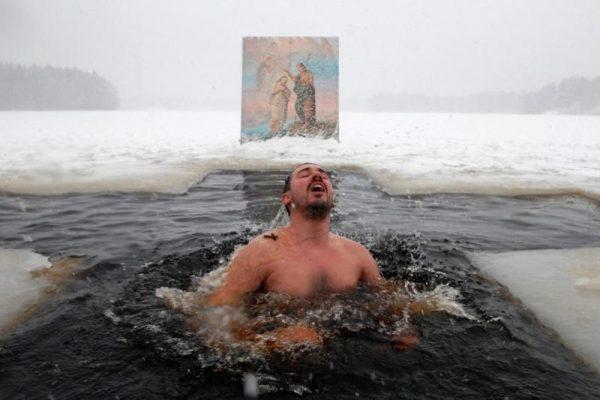 Как окунуться в Крещение, чтобы не навредить себе?
