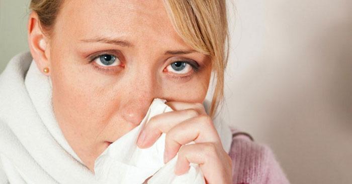 Почему першит в горле и мучает кашель? 10 средств для лечения горла