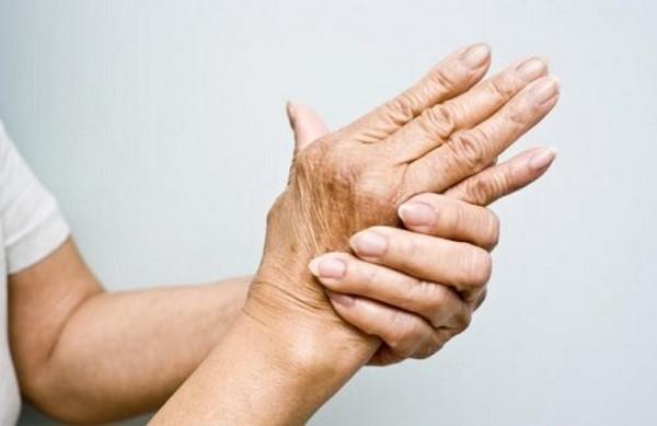 Природные обезболивающие антисептики быстро успокоят боль при артрите