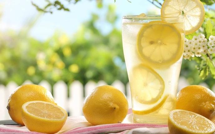 Они сказали вам, что пить теплую воду с лимоном это хорошо, но они не сказали вам этого!