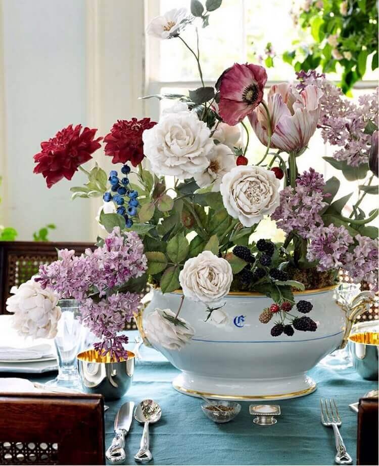 Вы не поверите, эти цветы - фарфоровые! Настоящее произведения искусства!