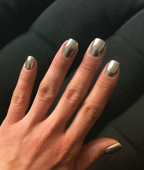 Маникюр 2017: ТОП-7 потрясающих идей для коротких ногтей