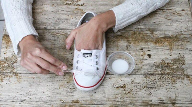 Преображение старой обуви. Всего пару фокусов и ваша обувь в первозданном виде