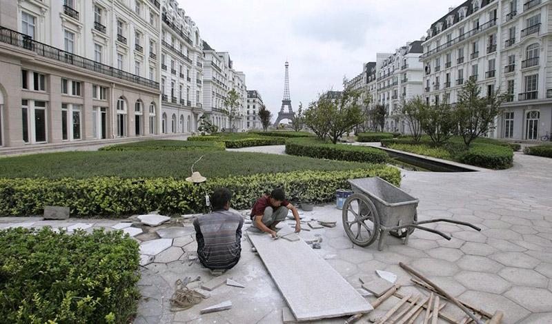 Париж: «made in China»