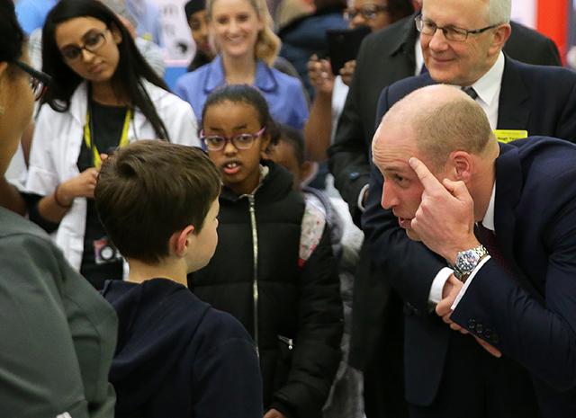 Принц Уильям шокировал всех: он побрился наголо!