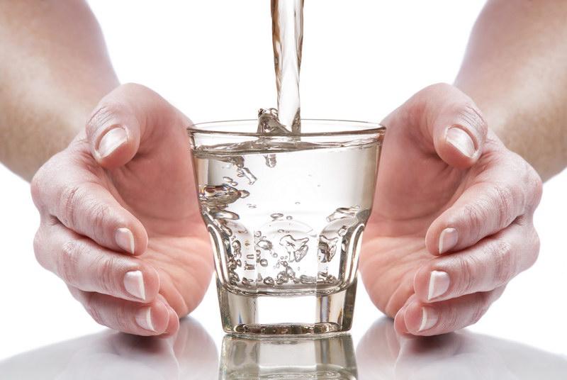 Не нужно выпивать каждый день 2 литра воды!